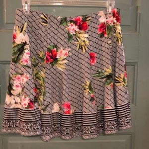 White House/Black Market skirt size 8